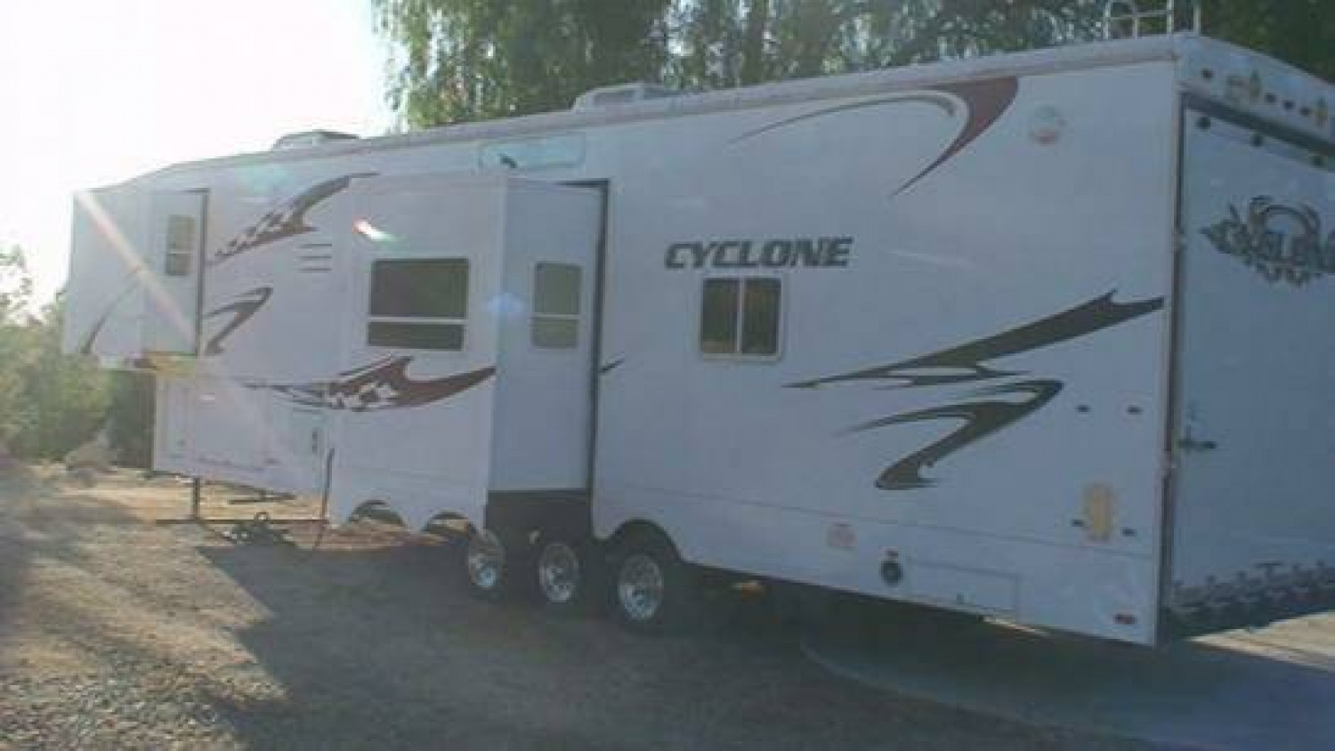 $150 / 200ft.sq. - RV Rental Delivered to Areas in Ventura
