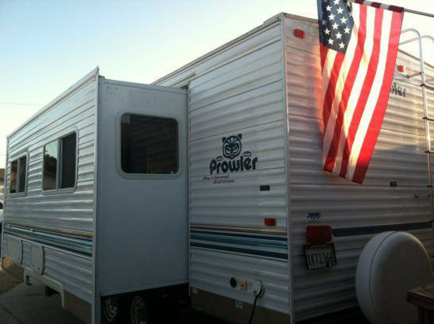 $125 / 200ft.sq. - RV Rental Delivered to Areas in Ventura
