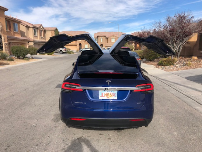 2018 Tesla Model X Loaded with enhanced autopilot